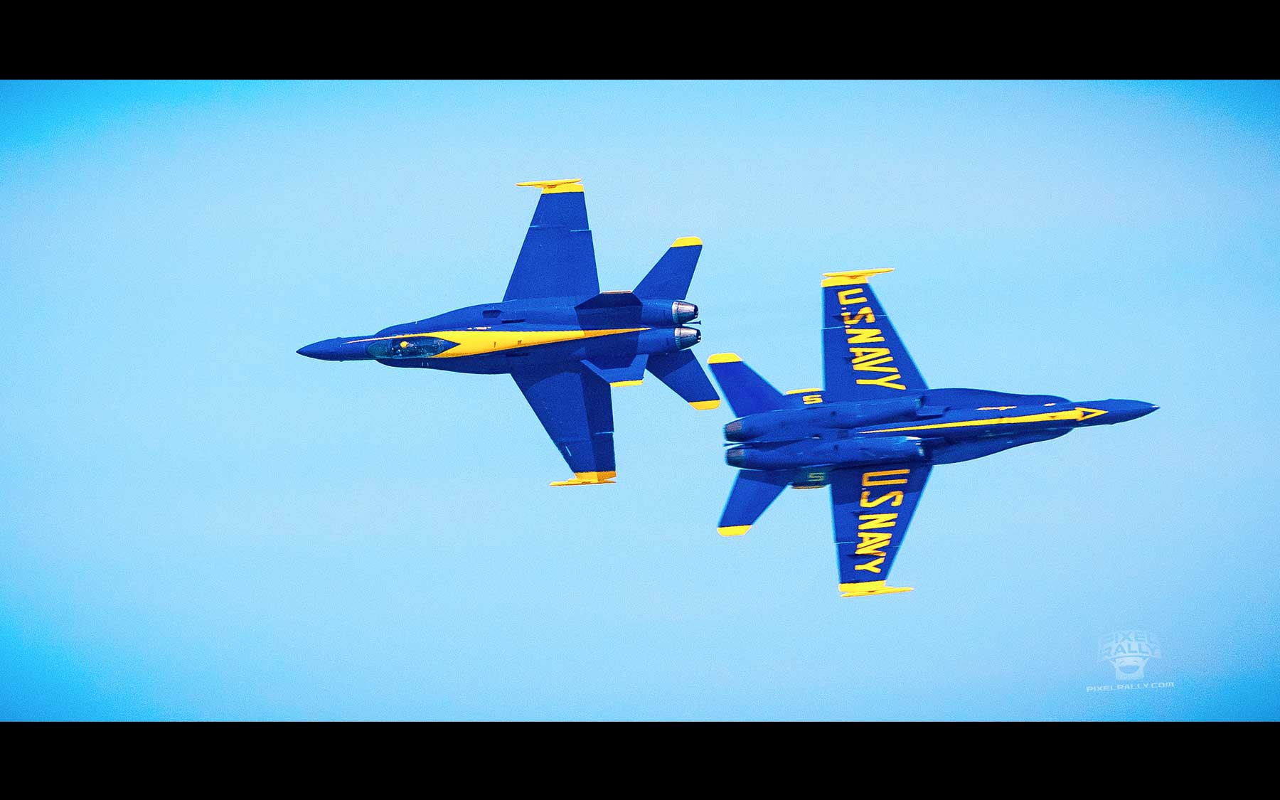 Blue-Angels-07-two-close