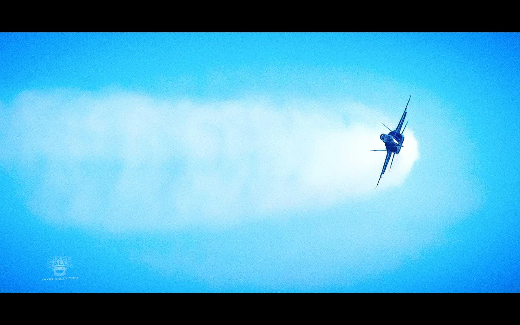 Blue-Angels-11-solo-banked-turn