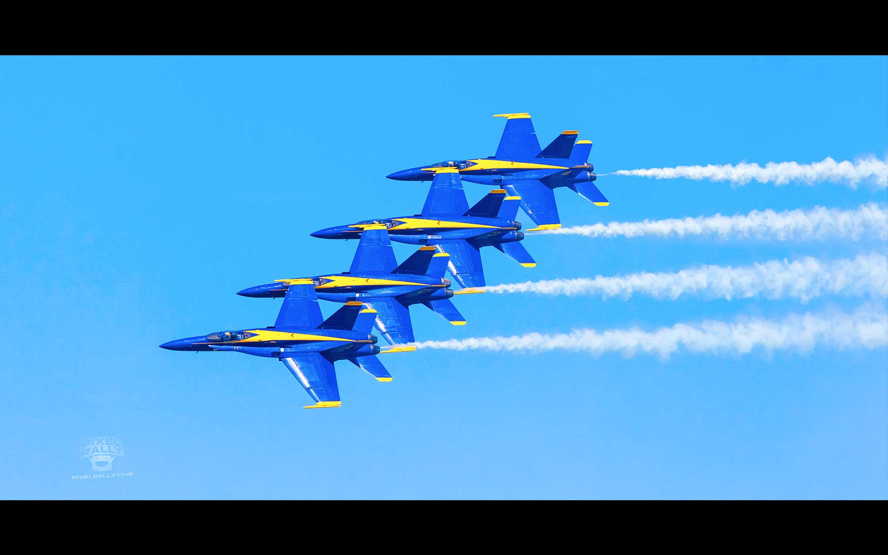 Blue-Angels-13-four-smokin
