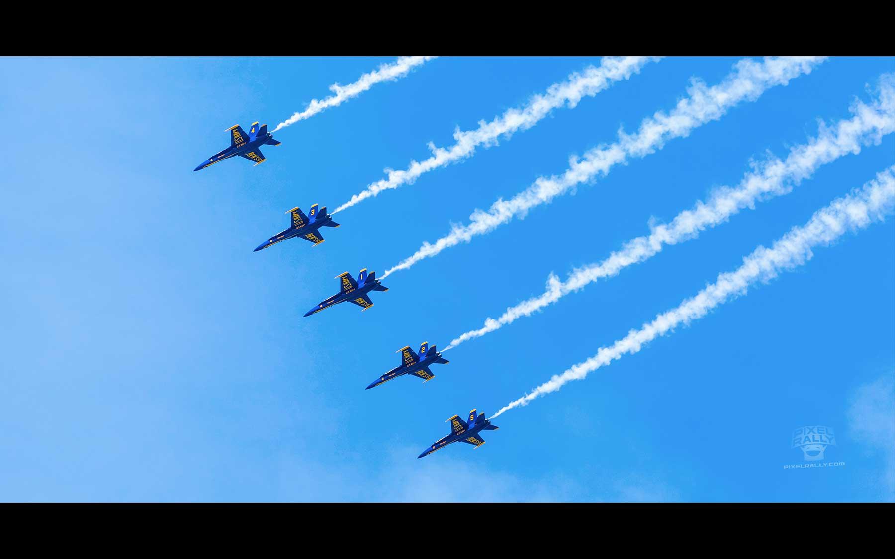 Blue-Angels-15-five-smokin