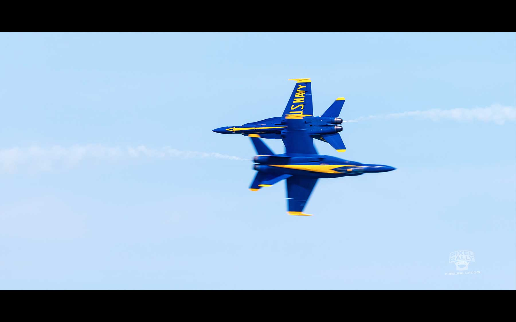Blue-Angels-18-two-too-close