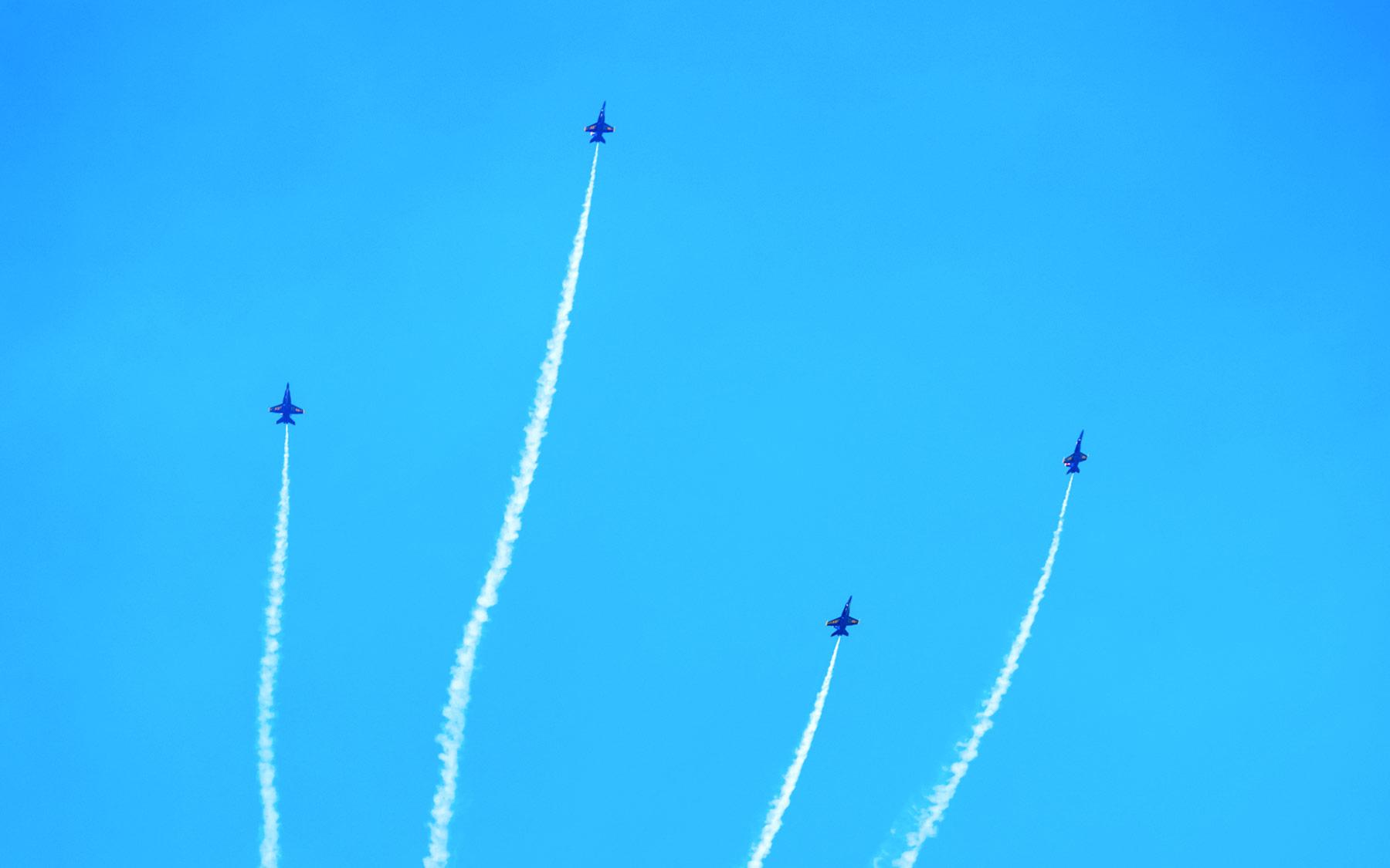 Blue-Angels-23-Blue-Angels-22-six-smokin-break-alt