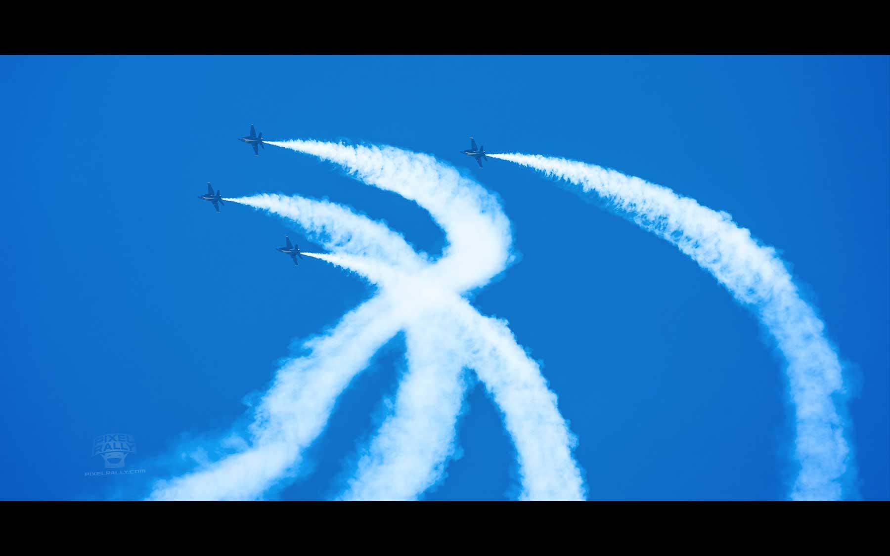 Blue-Angels-25-four-smokin-curl