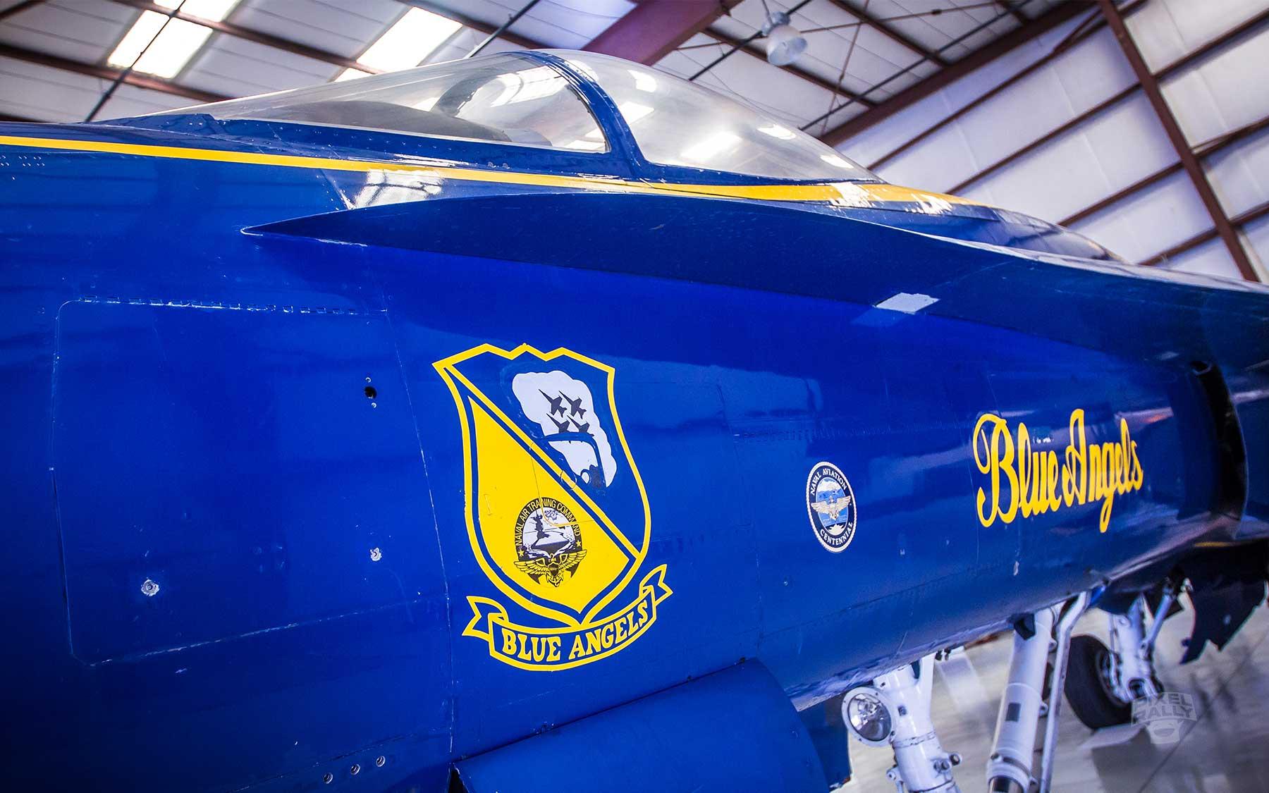 FL-WarbirdsMuseum-blue-angels-crest
