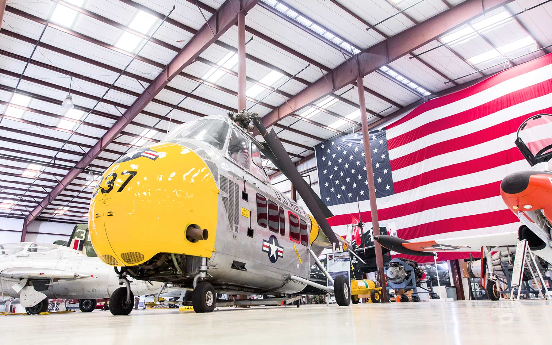 FL-WarbirdsMuseum-chopper-flag