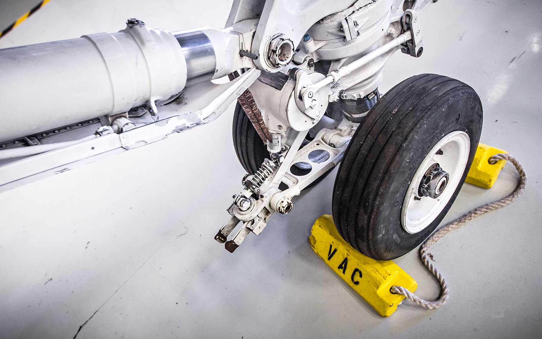 FL-WarbirdsMuseum-jet-tire