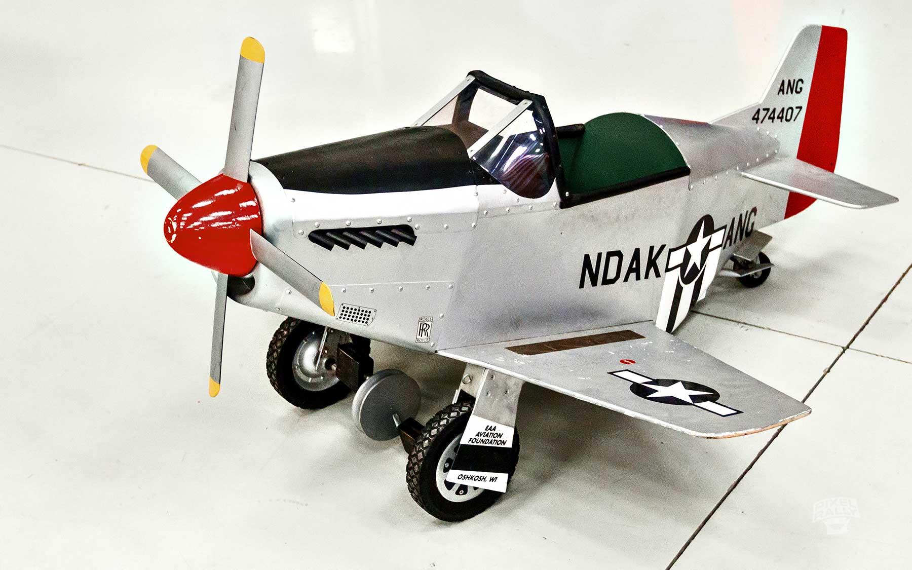 FL-WarbirdsMuseum-jet-toy