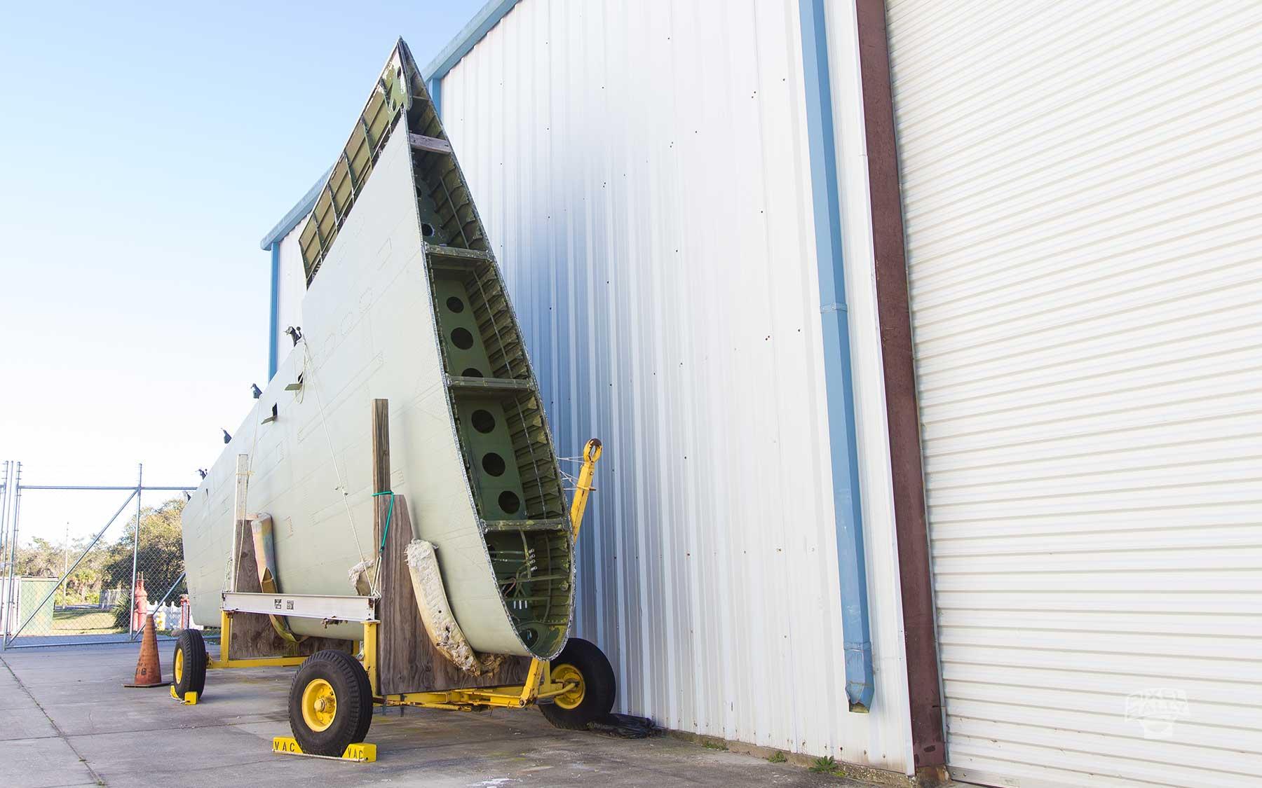 FL-WarbirdsMuseum-wing-cart