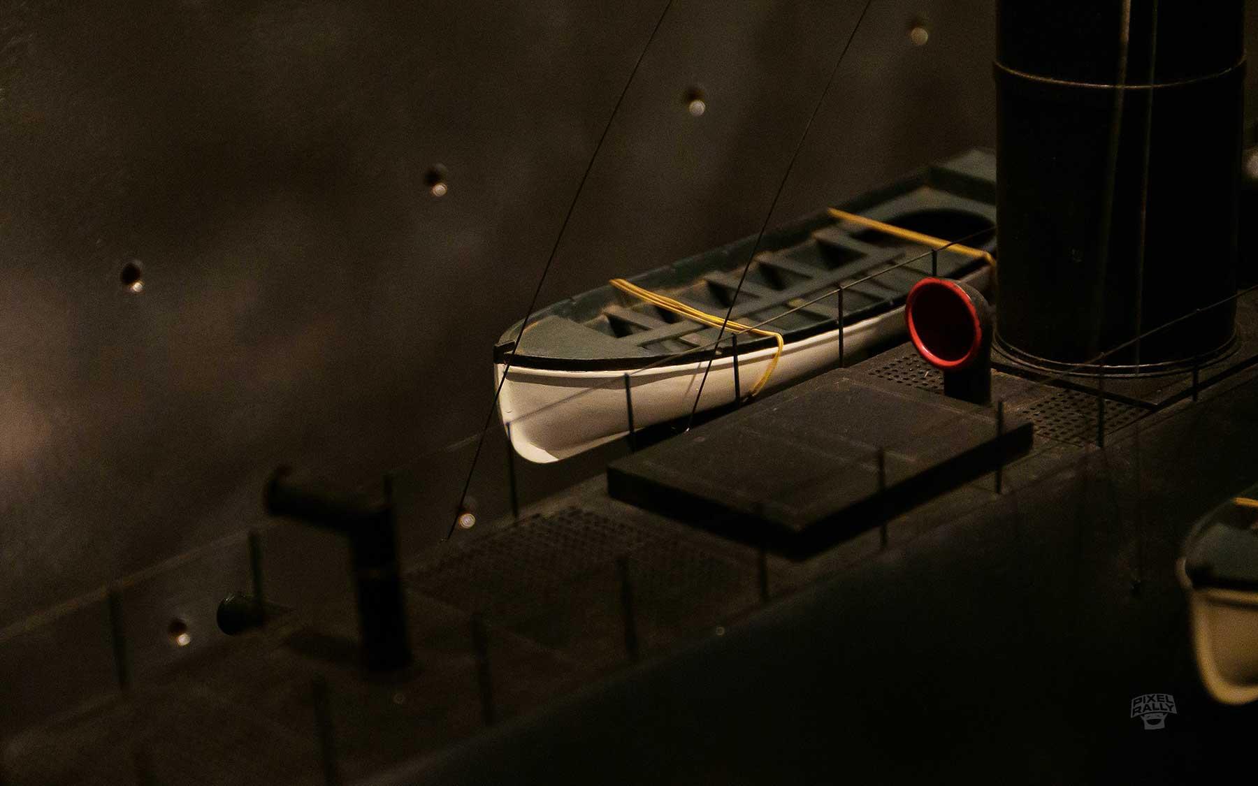 modern-lifeboat-sub